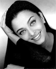 Aishwarya Rai Aishwarya Rai Photo, Actress Aishwarya Rai, Aishwarya Rai Bachchan, Bollywood Actress, Aishwarya Rai Makeup, Mangalore, Miss Mundo, Beautiful Eyes, Most Beautiful Women