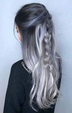 Are you looking for blonde balayage hair color For Fall and Summer? See our collection full of blonde balayage hair color For Fall and Summer and get inspired! Grey Ombre Hair, Ombre Hair Color, Hair Color Balayage, Cool Hair Color, Blonde Balayage, Grey Blonde, Blonde Color, Silver Blonde, Haircolor