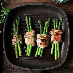 Roladki z kurczaka ze szparagami - Przepis Asparagus, Vegetables, Food, Studs, Essen, Vegetable Recipes, Meals, Yemek, Veggies