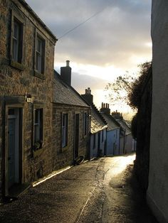 Culross, Scotland this place is like a forgotten, frozen in time place.. amazing.
