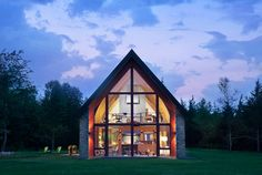Beautiful home. Very nice layout. Small footprint with large interior feel. I intend to build one similar some day.