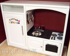 28 household items that you can use for your children - Upcycled Crafts Diy Play Kitchen, Toy Kitchen, Play Kitchens, Kitchen Ideas, Upcycled Crafts, Diy Crafts, Paper Crafts, Gifts For 3 Year Old Girls, Old Entertainment Centers