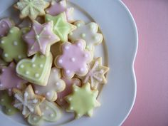 ❤❤❤ Copyrights unknown. Iced cookies.