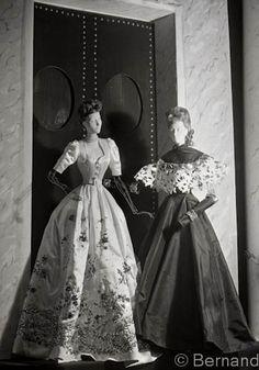 1940s Fashion, Unique Fashion, Fashion Dolls, Fashion Art, Vintage Fashion, Classic Fashion, Dior, Fashion Mannequin, Paris Mode