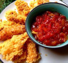 How to Make Crunchy Mozzarella Sticks With Dipping Sauce