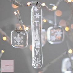 Glass-christmas-decorations-personalised-icicle -red-brick-glass – Women's jewelry – Top jewelry fashion Personalised Christmas Tree Decorations, Glass Christmas Decorations, Snowflake Decorations, Personalized Ornaments, Diy Resin Art, Resin Crafts, Fused Glass Ornaments, Resin Jewelry, Jewelry Tools