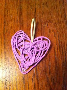 Yarn Projects, Projects To Try, Yarn Crafts, Diy Tutorial, Valentine Gifts, Beads, Cord, Beading, Cable