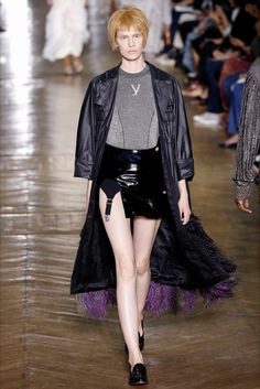 Sfilata Ulyana Sergeenko Parigi - Alta Moda Autunno-Inverno 2016-17 - Vogue