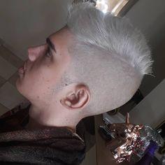 "4 Me gusta, 1 comentarios - 👑 Lady Hair and Make up 👑 (@_ladyhair) en Instagram: ""Platinado masculino!!! Agende seu horário 👇 19 988043067 #platinadomasculino #platinado…"""