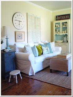 aqua/white flea market style decor - yum!