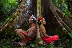 #Mentawai shamans resting after hunting, Siberut Island, West Sumatra, #Indonesia | Andrew Newey, #UK