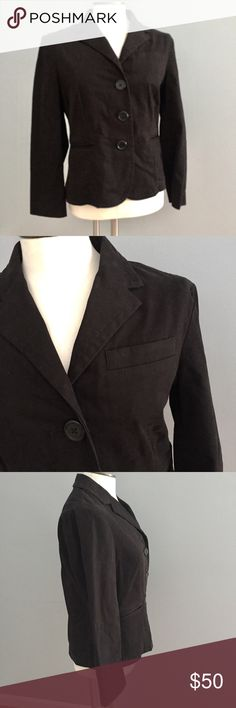 """Gap black professional 3 button blazer 10 Classic black blazer perfect for spring. Soft almost brushed cotton with a touch of spandex and pockets. Stitching for a flattering silhouette and scalloped hem for a feminine touch.  Approximate measurements: Length: 21"""" Bust across pit to pit: 18"""" A GAP Jackets & Coats Blazers"""
