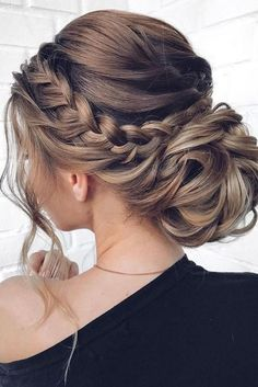 48 Mother of the Bride Hairstyles - Samantha Fashion 48 Mutter der Braut Frisuren – Samantha Fashion Life 48 mother of the bride hairstyles- mother of the bride hairstyles low bun with braided halo and loose curls mpobedinskaya – - Medium Length Hairstyles, Hair Updos For Medium Hair, Updo For Long Hair, Medium Length Updo, Prom Hair Medium, Long Curly, Hair In A Bun, Fine Hair Updo, Curled Hair With Braid