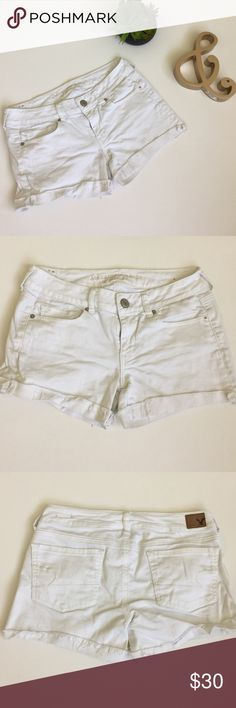 American Eagle Denim Shorts Bright white denim shorts from AE. Cuffed bottoms with factory fraying. Super soft and stretchy. Made with 98% cotton and 2% spandex. No flaws. American Eagle Outfitters Shorts
