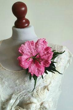 Broszka kwiat broszka z filcu.   Etsy