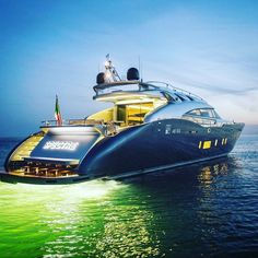 Remember #Spectre the #superyacht with the coolest name? #superyachts #Yachts #ship #yachtparty