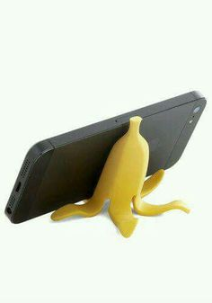 Good to the Last Raindrop Rain Boot in Rubber Duck - Samsung Phone Holder - Ideas of Samsung Phone Holder - Banana Appeal Phone Stand. Keep your smartphone from slipping off your desk or night table with this banana peel phone stand! Desk Phone Holder, Iphone Holder, Iphone Stand, Iphone Phone, Iphone Cases, Smartphone Holder, Iphone S6 Plus, Support Telephone, Accessoires Iphone
