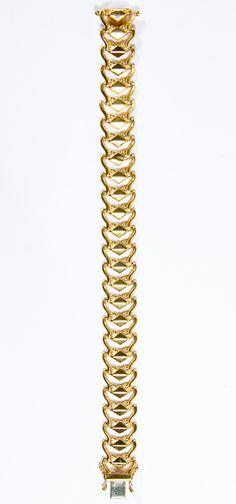 Lot 117: 18k Gold Bracelet; Italy; marked 18k on clasp