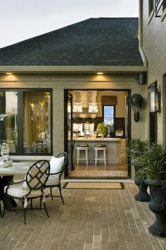 Dream house design - Kitchen opens to patio. Can the entire corner of the house open? - takes away the need for outdoor kitchen for deck and pool area! Style At Home, Outdoor Rooms, Outdoor Living, Indoor Outdoor, Outdoor Patios, Outdoor Kitchens, Exterior Design, Interior And Exterior, Modern Interior