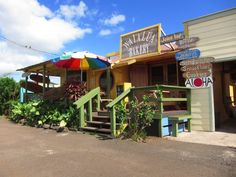 Waialua Bakery, Haleiwa, Oahu, Hawaii - Sandwiches, Cookies, Smoothies.