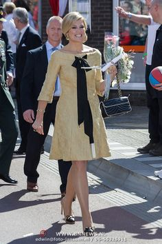 Still a beautiful picture of (then) Crown Princess Maxima on  (then) Queen's Day April 30, 2012