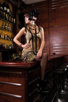 Gorgeous Flapper costume idea for A Flapper Murder at the 1920s Speakeasy - http://www.shotinthedarkmysteries.com