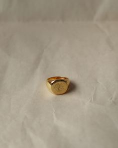 18K yellow gold plated on sterling silver with custom engraving. Available in sizes US 4 to 9.