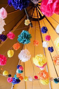 Rustic and boho wedding themes are super popular but what's the difference between the two? Handmade Wedding Decorations, Wedding Reception Decorations, Wedding Themes, Wedding Colors, Wedding Ideas, Paper Decorations, Wedding Planning, Wedding Venues, Boho Wedding
