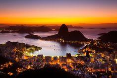 Amanhecer no Rio de Janeiro com Pao de Açúcar.  Impressão FineArt - Dispersão de pigmento mineral sobre papel de algodão – Papel...