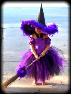 witch Too cute, she must be related to Glenda Halloween Outfits, Halloween Costumes For Kids, Happy Halloween, Halloween Decorations, Halloween Party, Halloween Clothes, Halloween Halloween, Halloween Makeup, Purple Halloween