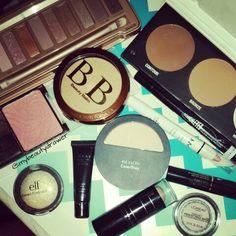 Makeup of the day.  #makeup #motd #fotd #makeupmess #makeupporn #urbandecay #naked3 #eyeshadow #palette #wetnwild #wnw #bb #physiciansformula #bronzer #contour #citycolorcosmetics #elf #eyeslipsface #lorac #revlon #lancome #mascara #loreal #primer #foundation #maybelline