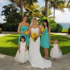 Best friend Natalia's wedding #stthomas #usvi #destinationwedding #beachwedding #bride #maidofhonor #bridesmaids #flowergirls #tan #sunshine #beautiful #vacation #bestfriend #tbt #throwbackthursday Bridesmaids, Bridesmaid Dresses, Wedding Dresses, St Thomas Vi, Caneel Bay, Destination Wedding, Wedding Planning, Virgin Gorda, Wedding Day Inspiration