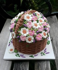 "6"" diameter bakul vanilla chocolate marble cake kat dalam #buttercreambasket #yattsbasketweave #buttercreamflowers #yattspinkcake #yattshantarancake Basket Weave Cake, Cake Basket, Flower Basket Cake, Pretty Cakes, Beautiful Cakes, Amazing Cakes, Chocolate Marble Cake, Alcohol Cake, Decadent Cakes"