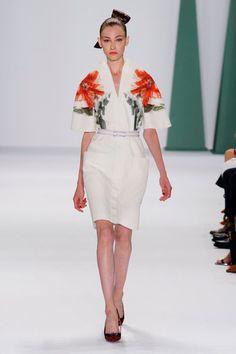 Carolina Herrera Spring 2015 robe manche imprimée grande fleure