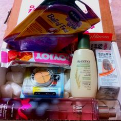 Influenster spring beauty Voxbox  Read my blog and watch the video with full description about the box http://jannatul12.blogspot.com