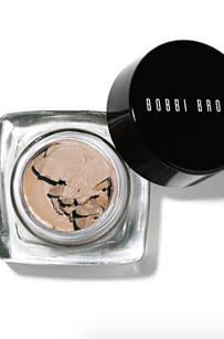 Shop makeup and skincare products on Bobbi Brown Cosmetics online. Learn Bobbi's latest looks, makeup tips and techniques. Bobbi Brown, Eyeshadow Basics, Eyeshadow Palette, Eyeshadows, Eyeshadow Tutorials, Eyeshadow Makeup, Eyebrow Makeup, Eye Shadow Application, Cream Eyeshadow