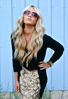 long blonde curls @ caraloren.blogspot.com