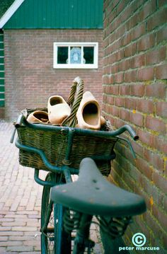wooden shoe delivery