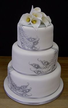 A Wedding Cake that is truely elegant!