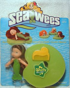 haha!! I so remember playing with these in the tub!! I loved Sea Wees!!!
