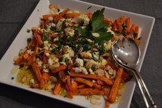 Salat von gerösteten Karotten mit Schafskäse und Mandeln