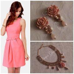Un semplice tubino rosa, orecchini e collana Fanipà Gioielli con roselline e pietre dai colori delicati, ed eccovi pronte per una romantica serata estiva