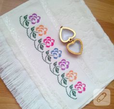 This Pin was discovered by Gül Folk Embroidery, Cross Stitch Flowers, Diy And Crafts, Lily, Fancy, Sewing, Anastasia, Cross Stitch Rose, Cloth Patterns