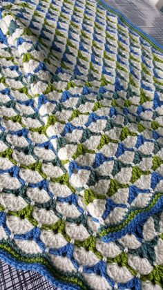 Beautiful Shells Blanket By  Lahoma Nally-Kaye - Free Crochet Pattern - (ravelry)