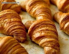 faire des croissants avec sa machine à pain Cooking Time, Cooking Recipes, Yummy World, Bread And Pastries, Bread Baking, Tasty Dishes, No Cook Meals, Food To Make, Food Porn