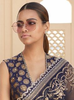 Latest 2019 Sabyasachi Sarees includes sarees for the bride, brides mother, brides sister as well as tons of basic wedding guest appropriate saree looks. Saree Blouse Neck Designs, Saree Blouse Patterns, Sleevless Saree Blouse, Sabyasachi Lehenga Bridal, Bollywood Saree, Bollywood Fashion, Sabyasachi Collection, Saree Jackets, Saree Trends