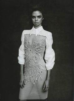 Samantha Harris in Miu Miu for Vogue Australia March 2010  Dieses Produkt und weitere MIU MIU Taschen jetzt auf www.designertaschen-shops.de/brands/miu-miu entdecken