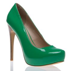 Kelly green heels! Been wanting a pair of shoes in this color for a long time.