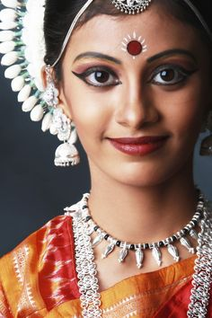 Indian dance Make up