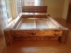 Wood Frame This bed is made of used wooden beams. Log Furniture, Furniture Projects, Furniture Design, Diy Bett, Diy Home Decor Rustic, Diy Bed Frame, Bed Frames, Pallet Beds, Rustic Bedding